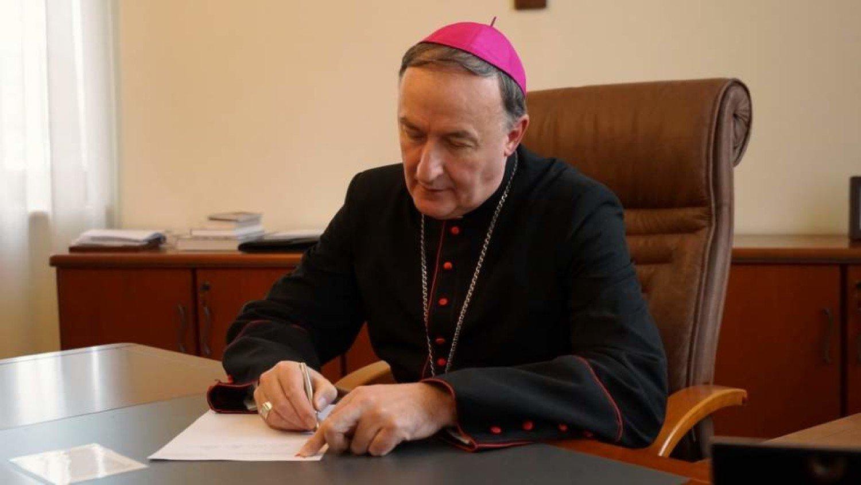Dekret Biskupa Tarnowskiego dotyczący sprawowania posługi duszpasterskiej iliturgicznej wWielkim Tygodniu